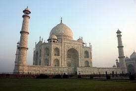 Taj Mahal by Dmitrij Rodionov