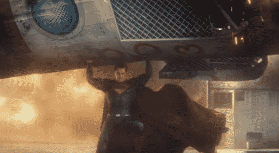 Superman (Henry Cavill) lifts a rocket