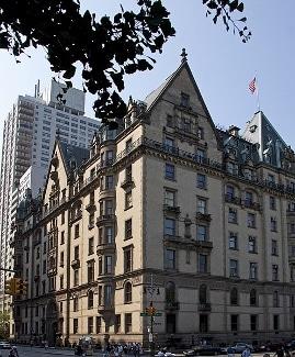 dakota apartments NYC by tony hisgett