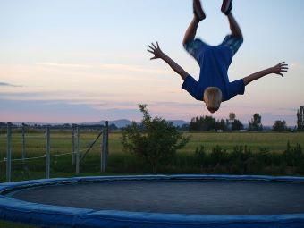 trampoline-pixabay